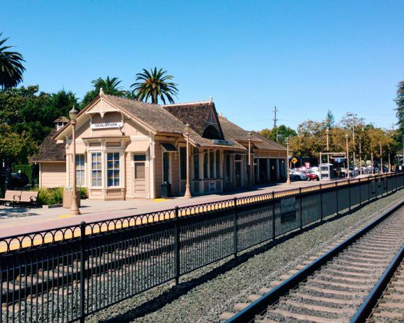 Menlo-Park-train-station-by-Scott-Loftesness1.jpg